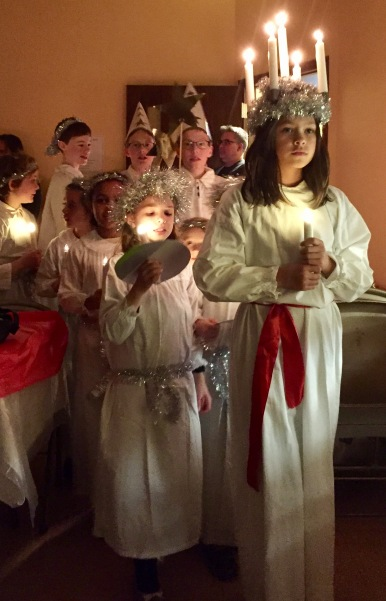 Saint_Lucia_Procession_in_Madison_Wisconsin
